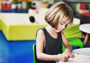 Bezstresowe pierwsze dni w szkole - poradnik dla rodziców