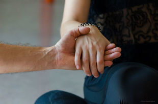 Trauma emocjonalna - jak się od niej uwolnić? Kiedy ciało boli i nie wiemy dlaczego...