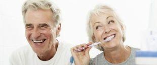 Najczęstsze problemy podczas noszenia protez zębowych. Jak je rozwiązać?