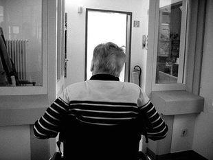 Alzheimer zaczyna się od chorób dziąseł?