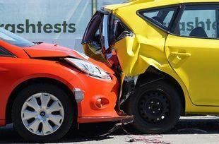 Tylko połowa kierowców porównuje ceny ubezpieczeń. Tracą na tym nawet kilkaset złotych!