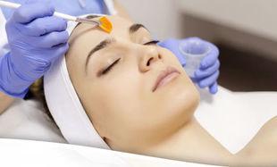 3 typy peelingów, które odmienią twoją skórę