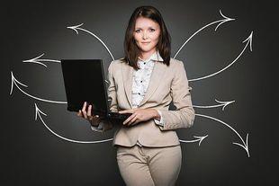 Businesswoman – jak być elegancką i pewną siebie kobietą