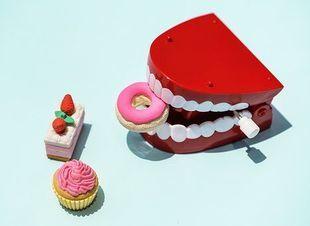Jak dbać o protezy zębowe? 7 zasad pielęgnacji
