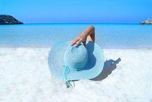 Wakacyjny poradnik  – czyli co należy wiedzieć o ubezpieczeniach turystycznych