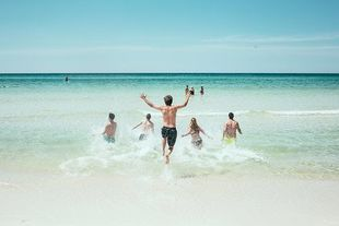 Poznaj 3  triki, dzięki którym nie wrócisz z wakacyjnego wyjazdu z długami