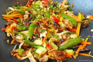 Smażone warzywa z grzybami shitake