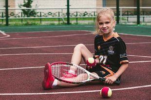 Nad morzem tego lata króluje tenis. Dzieciaki mogą spróbować bezpłatnej gry!