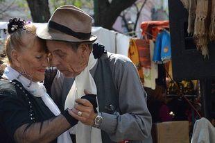 """Dzięki """"tangoterapii"""" chorzy i emeryci w Argentynie wracają do życia"""