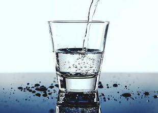 Zatrzymanie wody w organizmie. Jak sobie z tym poradzić?