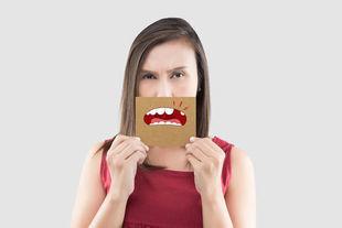 Wyrwany ząb? Sprawdź, czego nie wolno ci robić!