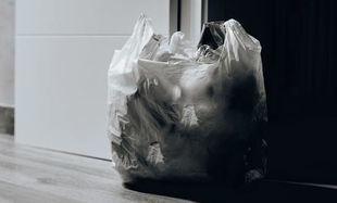 Utoniemy w naszych śmieciach