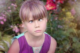 Zez to nie tylko schorzenie dziecięce. Dorosłych wyklucza z życia społecznego