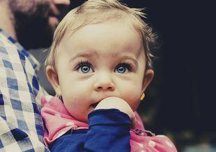 Siatkówczak – najczęstszy nowotwór oczu u dzieci. Jak go rozpoznać?