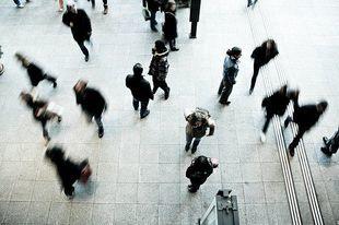 Blisko połowa dorosłych Polaków nie pracuje i się nie uczy