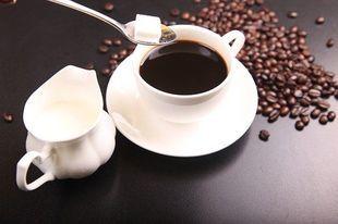 Słodkie napoje, herbata lub kawa z cukrem mogą zwiększać ryzyko zachorowania na raka