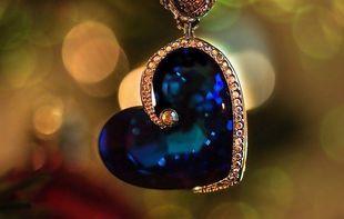 Amulety, które noszone jako biżuteria na co dzień mają dać zdrowie i pieniądze