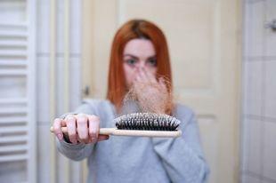 Babciny sposób na wypadające i zniszczone włosy