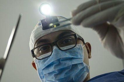 Zapalenie miazgi zęba. Bolesna dolegliwość, która może być niebezpieczna dla całego organizmu!