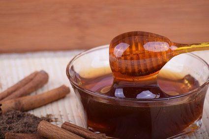 Miód z cynamonem - genialna mieszanka, która wspomaga odchudzanie