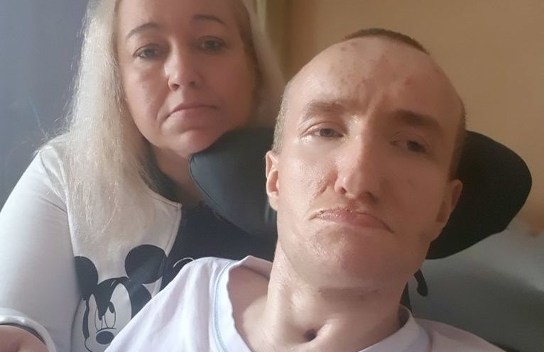 Łukasz z mamą