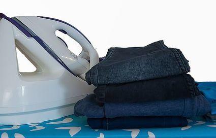 Jak prasować bardzo zagniecione ubrania?