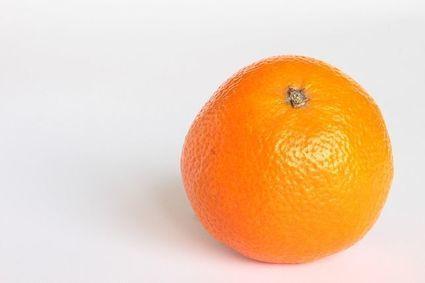 Domowy, ekologiczny odplamiacz ze skórek pomarańczy