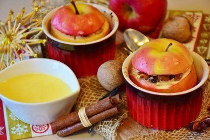Jabłka pieczone z miodem i rodzynkami w sosie waniliowym