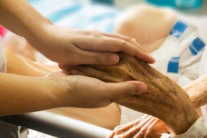 Święta, w które się nie spotkamy – jak pomóc pacjentom w Hospicjach czy domach opieki