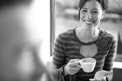 Masz menopauzę i męczą cię uderzenia gorąca? Odstaw kawę!