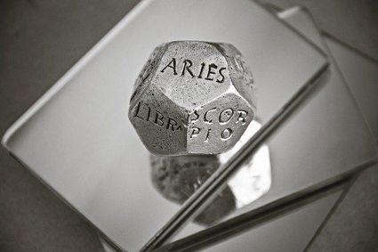 Trzy znaki zodiaku, które wierzą w to, co mówią inni