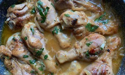 Nóżki z kurczaka w słodko-kwaśnym cebulowym sosie