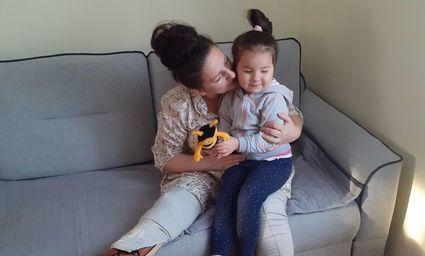 Rzuciła się na ratunek córce, samochód zmiażdżył jej nogę. Pomóżmy Karolinie odzyskać sprawność!