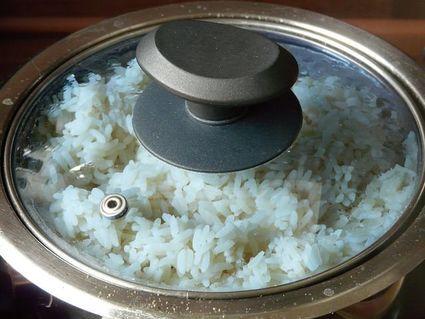 Nie wylewaj wody z ryżu! Możesz jej użyć na wiele sposobów