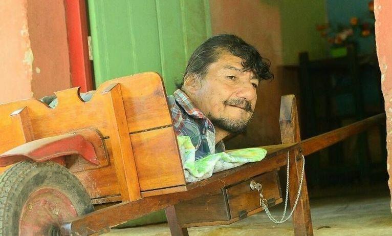 Pablo Acuña na swojej taczce - zdjęcie Facebook