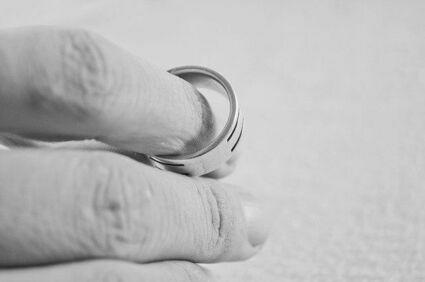 Jak unieważnić kościelne małżeństwo? - przydatny poradnik dla wiernych