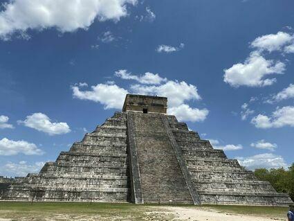Miasto Majów  Chichén Itzá - to tu pierzasty wąż schodzi z piramidy