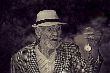 Człowiek może żyć maksymalnie 150 lat - tak twierdzą naukowcy