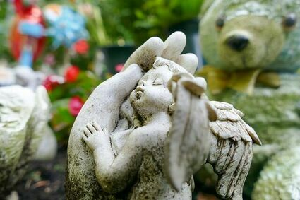 Duchowy aspekt śmierci dziecka. Jak zrozumieć jej sens?