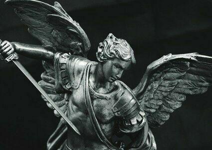 Archanioł Michał - anioł, którego warto prosić o pomoc w kryzysie