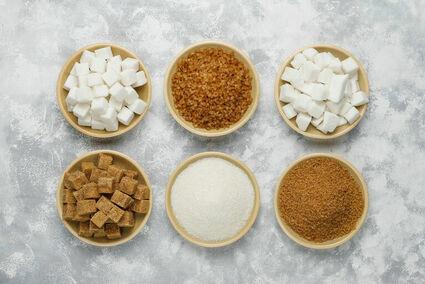 Dieta bez cukru. Dlaczego warto i jak przestać osładzać sobie życie?