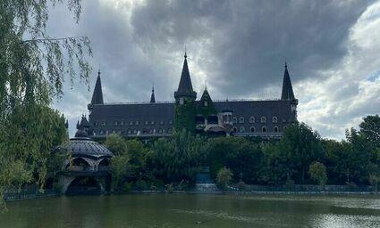 Zamek Ravadinovo - spełnione marzenie bułgarskiego milionera
