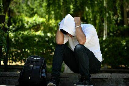 """Coraz więcej młodych ludzi ma problemy psychiczne. """"Bo nikt ich nie wychowuje"""""""
