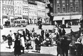 Rynek w dzień targowy - lata 30-te XX w.