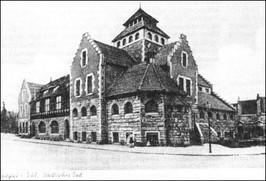 Dom ludowy z łaźnią ok. 1900 r.
