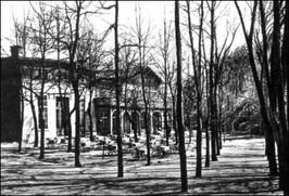 Schronisko u podnóża Góry Krzyżowej - lata 20-te XX w.