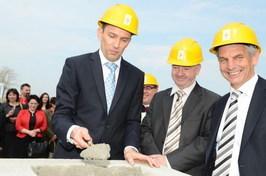 od lewej: Waldemar Topolski – Dyrektor Zarządzający FSB Piekarnie Sp. z o.o.; Con Murphy – Dyrektor