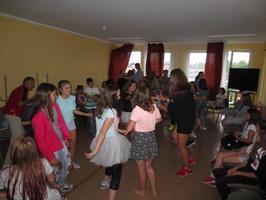 Wypoczynek dzieci i młodzieży z Jaroszowa na kolonii letniej w Sianożętach