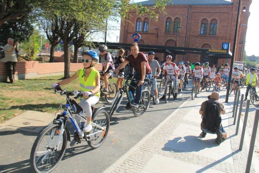 Happening Rowerowy organizowany w ramach Europejskiego Dnia Zrównoważonego Transportu.