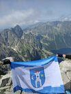 Flaga Świebodzic na szczycie Rysów